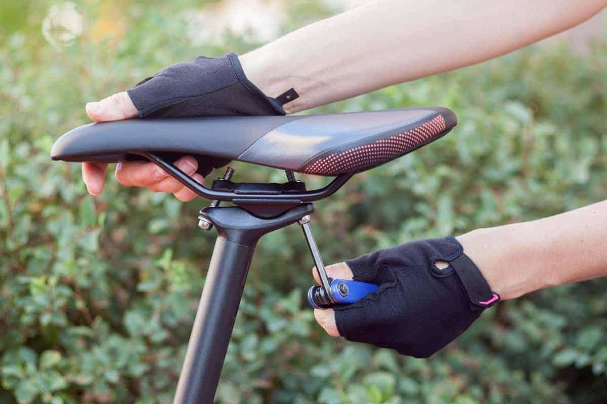 Best Road Bike Saddle For Long Rides - mybikexl.com